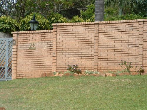 Rustic brick_1_1
